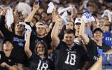 kentucky-wildcat-fans-sing-national-anthem-kroger-field