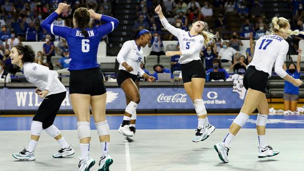 kentucky-volleyball-win-thriller-over-stanford
