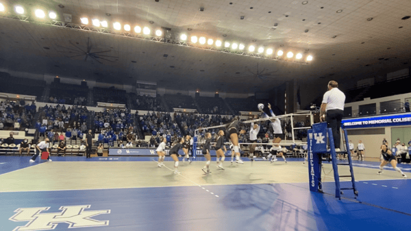 kentucky-volleyball-sweeps-missouri