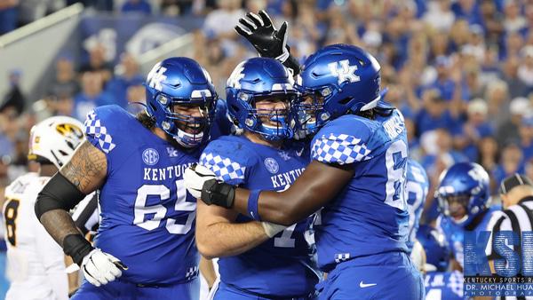 Kentucky-Offensive-Linemen-Midseason-All-Americans-darian-kinnard-eli-cox