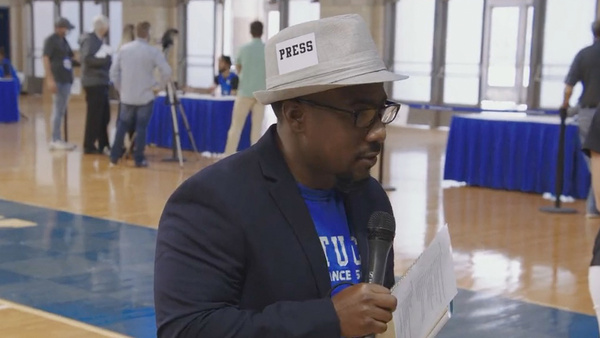 rob-harris-was-the-real-star-of-kentucky-basketball-media-day