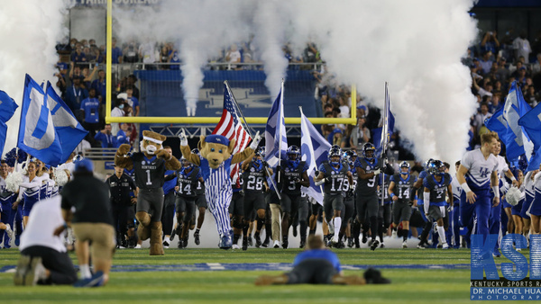 kentucky-fb-moves-up-no-12-coaches-poll-after-bye-week