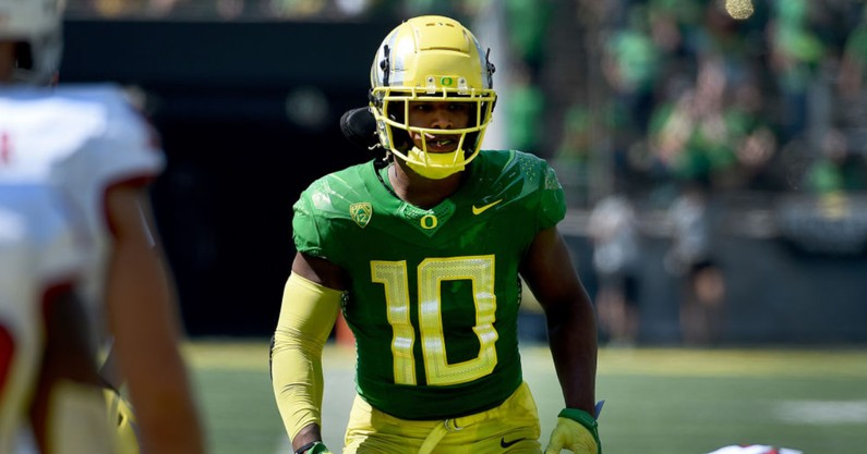 oregon-linebacker-justin-flowe-out-for-ducks-showdown-with-ohio-state