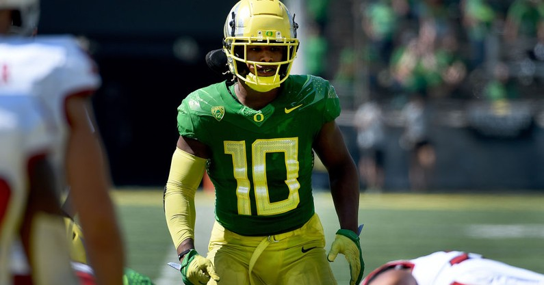 oregon-linebacker-justin-flowe-out-significant-foot-injury