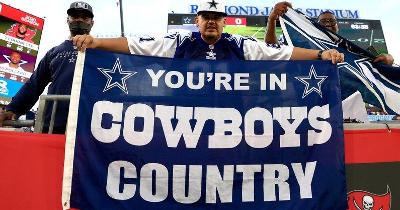 dallas-cowboys-add-help-singing-before-sundays-game-los-angeles-chargers