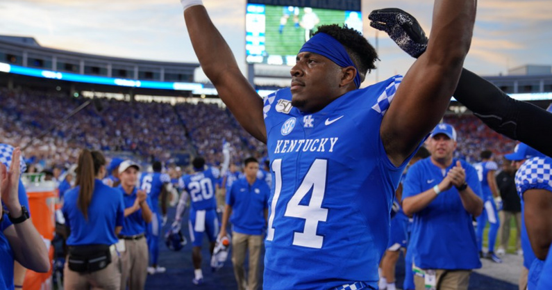 former-kentucky-wr-ahmad-wagner-now-graduate-assistant-uks-staff