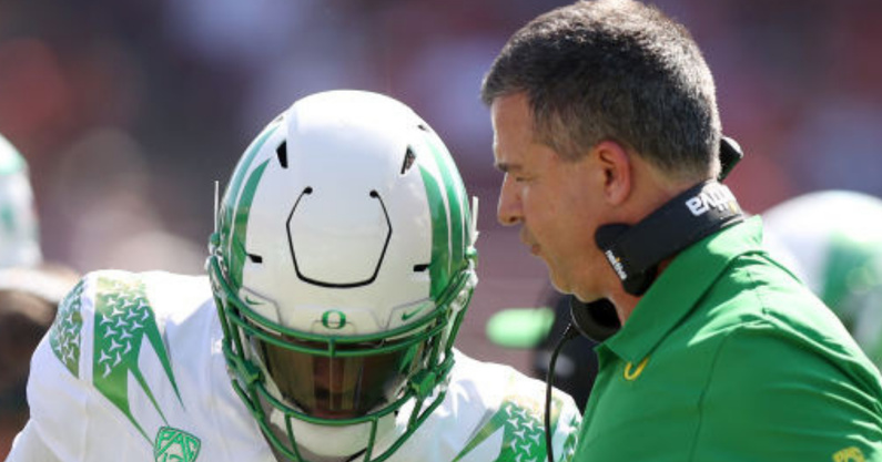 oregon-football-remains-top-10-in-ap-poll